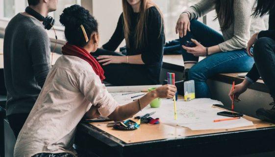 Studentergave – 5 gaver du kan give til studenten